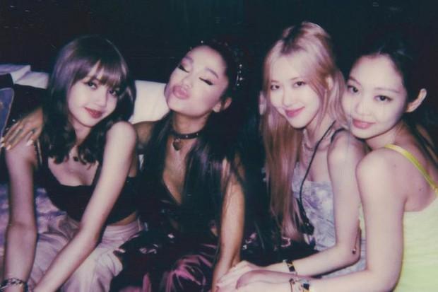Ai ngờ mỹ nhân BLACKPINK này chuyên thu thập các chị gái Hollywood: Quen từ Selena đến Ariana, đánh lẻ với cả Halsey - Ảnh 9.