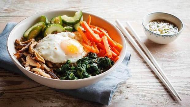 """Học lỏm chế độ ăn kiêng giảm cân """"bí truyền"""" của các siêu sao Hàn Quốc - Ảnh 3."""