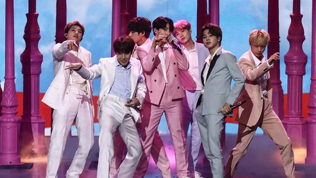 Nghệ sĩ Hàn có nhiều người đến xem concert nhất tại Nhật: Không phải BTS đình đám mà là nhóm nhạc 16 năm tuổi nghề - Ảnh 2.