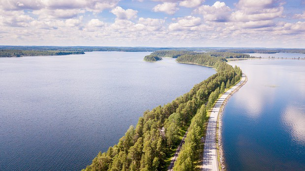 """Con đường """"không biết là thực hay là mơ"""" ở Phần Lan đang khiến cả thế giới lùng sục, lý do nằm ở loạt ảnh chụp bằng flycam này - Ảnh 4."""