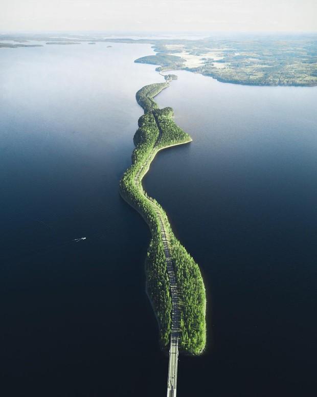 """Con đường """"không biết là thực hay là mơ"""" ở Phần Lan đang khiến cả thế giới lùng sục, lý do nằm ở loạt ảnh chụp bằng flycam này - Ảnh 3."""