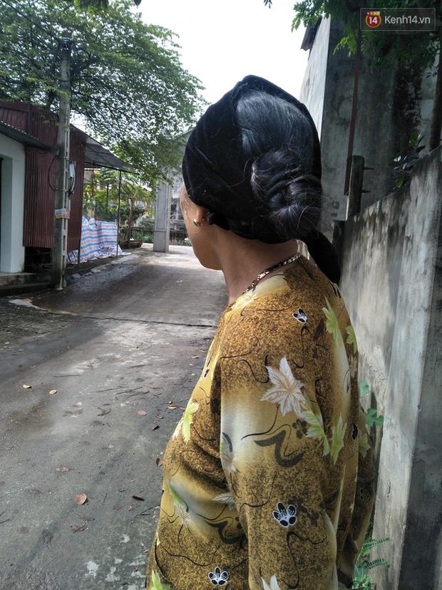 Hà Nội: Nhân chứng kể lại giây phút kinh hoàng khi nam thanh niên điên cuồng dùng hung khí đánh tử vong cụ ông gần 70 tuổi - Ảnh 5.