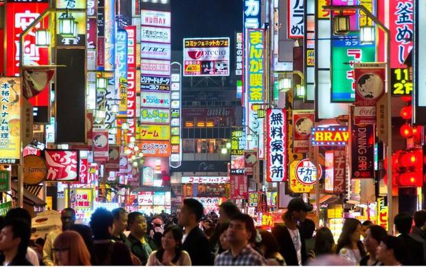 Cả Minh Hằng và Chi Pu đều check-in ở khu phố ăn chơi bậc nhất của Nhật Bản trong cùng 1 ngày, nơi đó có gì mà hot thế? - Ảnh 4.