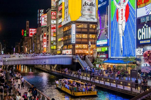 Cả Minh Hằng và Chi Pu đều check-in ở khu phố ăn chơi bậc nhất của Nhật Bản trong cùng 1 ngày, nơi đó có gì mà hot thế? - Ảnh 10.