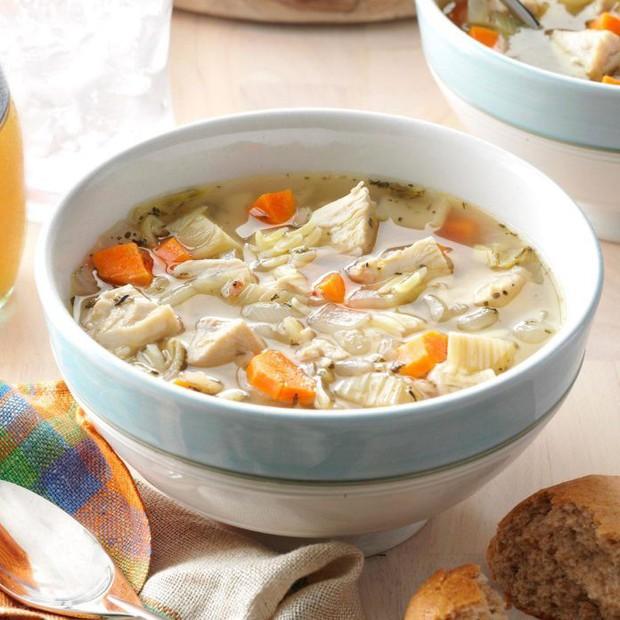 Thử đoán xem trong các phiên bản dưới đây, đâu mới đúng chuẩn là Chicken Noodle Soup của J-hope (BTS) - Ảnh 2.