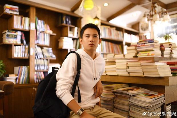 5 chàng diễn viên thế hệ 2000 của Cbiz: Dịch Dương Thiên Tỉ đẹp nức nở, Trần Phi Vũ chuẩn thái tử Cbiz - Ảnh 29.