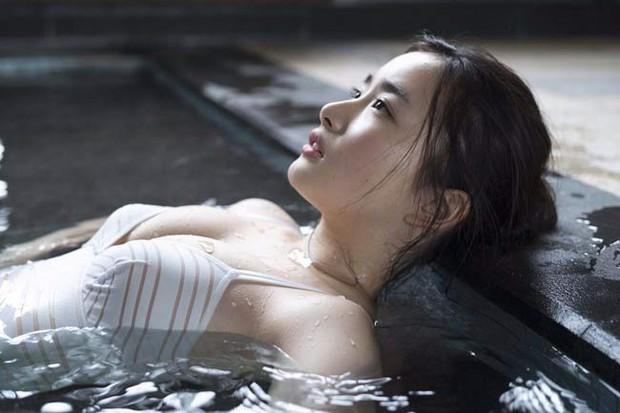 Nhan sắc nóng bỏng của hai mỹ nhân có vẻ đẹp gợi cảm bậc nhất Nhật Bản - Ảnh 15.