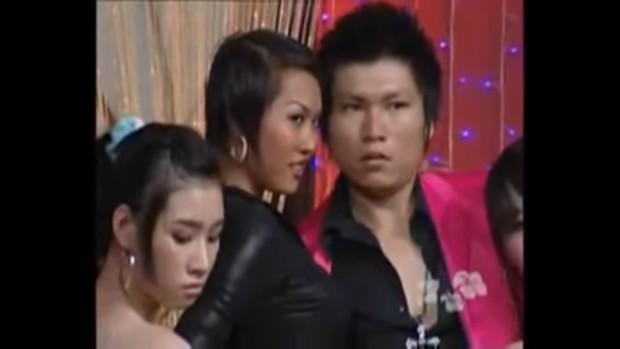 Nữ hoàng dao kéo Phi Thanh Vân: Mỗi lần lên show là một lần gây náo loạn - Ảnh 2.