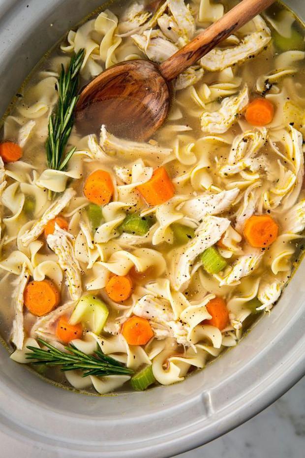 Thử đoán xem trong các phiên bản dưới đây, đâu mới đúng chuẩn là Chicken Noodle Soup của J-hope (BTS) - Ảnh 5.