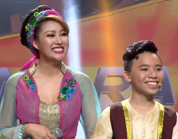 Nữ hoàng dao kéo Phi Thanh Vân: Mỗi lần lên show là một lần gây náo loạn - Ảnh 4.