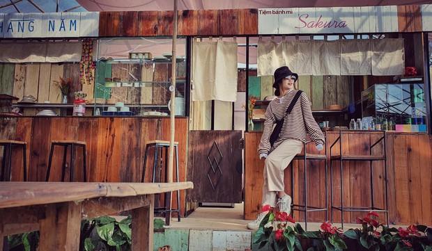 Tiệm bánh check in quen thuộc của giới trẻ ở Đà Lạt đóng cửa, nhiều người đã bắt đầu tìm ra quán mới đẹp không kém - Ảnh 2.