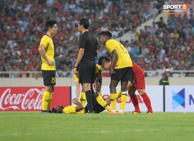 Không chỉ ghi bàn giúp Việt Nam thắng Malaysia, Quang Hải còn khiến đội bạn nể phục bởi hành động rất đẹp này - Ảnh 1.