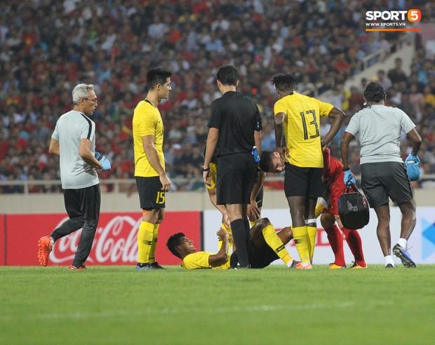 Không chỉ ghi bàn giúp Việt Nam thắng Malaysia, Quang Hải còn khiến đội bạn nể phục bởi hành động rất đẹp này - Ảnh 2.