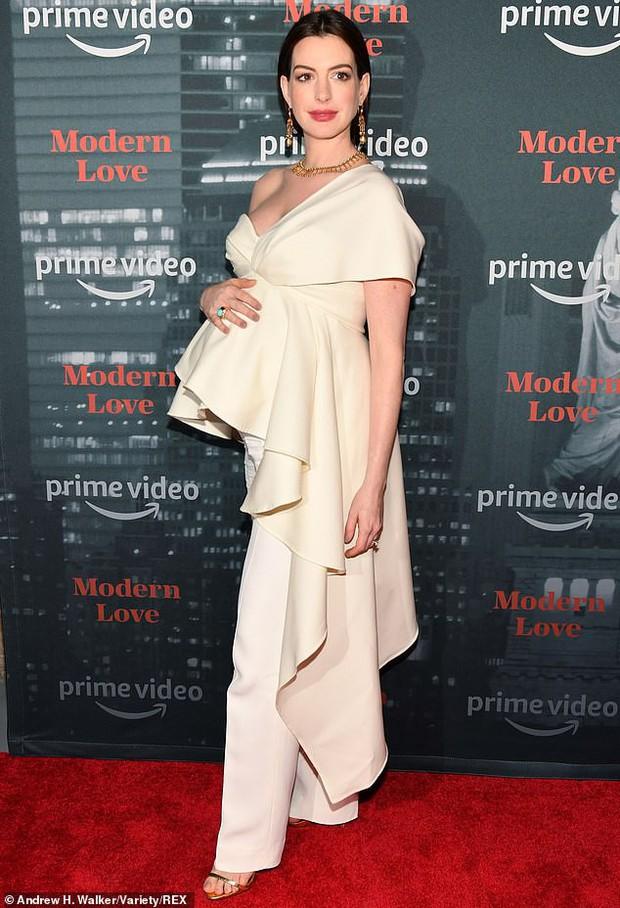Từng gây sốt vì vòng 1 bức thở, minh tinh Anne Hathaway khiến netizen Việt phát cuồng: Bầu mà vẫn đẹp thế trời ơi! - Ảnh 1.