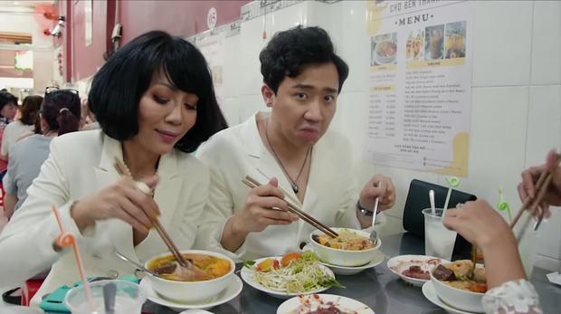 Là MC có thu nhập khủng nhất nhì Việt Nam nhưng Trấn Thành ăn uống lại cực giản dị, toàn rủ bạn bè đi ăn đồ vỉa hè bình dân - Ảnh 2.