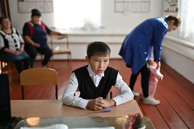 Ngôi trường kỳ lạ nhất thế giới: Chỉ có duy nhất 1 cô 1 trò, đứa bạn thân duy nhất học cùng đã bỏ sang trường khác  - Ảnh 2.