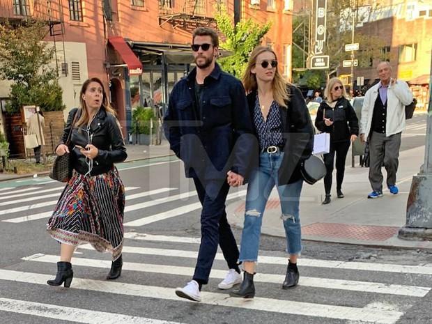 Vợ cũ Miley vừa có tình mới, Liam Hemsworth cũng kịp hẹn hò với mỹ nhân xinh đẹp sinh năm 1997? - Ảnh 1.