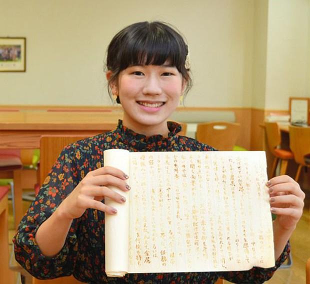 Nộp bài thi bằng giấy trắng, nữ sinh này vẫn nhận điểm A tuyệt đối, tất cả nhờ một thủ thuật mà chúng ta được dạy thời đi học này - Ảnh 1.
