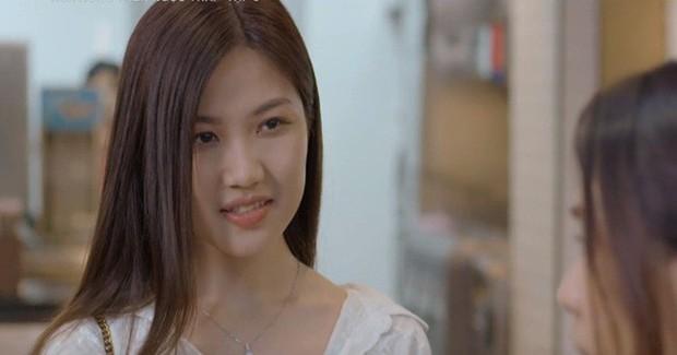 Trà tiểu tam của Hoa Hồng Trên Ngực Trái nhìn bớt hiền hẳn khi cắt phăng mái tóc dài của mình - Ảnh 2.