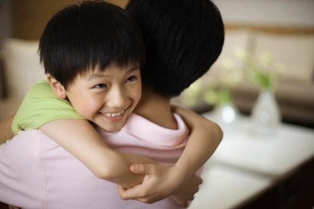 Cô giáo mầm non dạy trẻ kỹ năng thoát hiểm dễ dàng khi bị kẻ xấu tấn công, cha mẹ nào cũng nên ghi nhớ và dạy con - Ảnh 4.