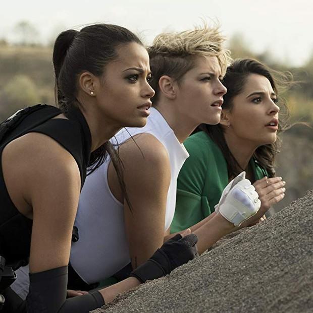 Trailer mới của Charlie's Angels: Kristen Stewart cực soái ca cùng bạn diễn nữ, khuyến mãi thêm sao khủng làm cameo? - Ảnh 2.