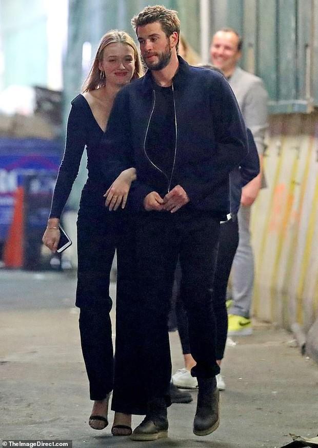 Lộ ảnh hẹn hò Liam, cô đào sinh năm 1997 đã bị lật lại phát ngôn bá đạo: Muốn quan hệ với cả 2 anh em Hemsworth - Ảnh 3.