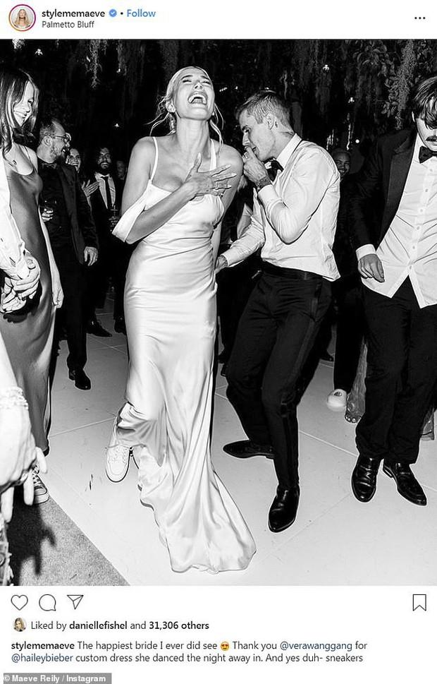 Stylist tiết lộ loạt ảnh thần sầu của Hailey trong đám cưới bạc tỷ với Justin, dân tình chỉ chú ý 1 chi tiết ở đôi chân - Ảnh 1.