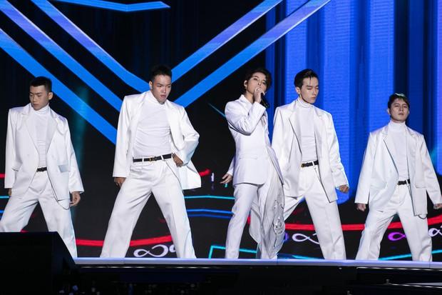 Khán giả người Mỹ khóc khi xem Vũ Cát Tường trình diễn tại Asia Song Festival, nguyên nhân đầy bất ngờ! - Ảnh 2.