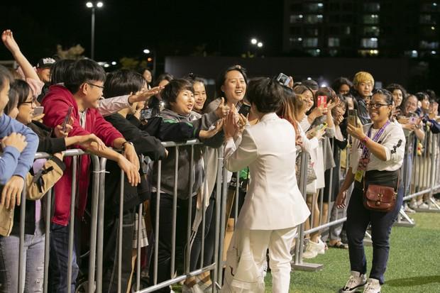 Khán giả người Mỹ khóc khi xem Vũ Cát Tường trình diễn tại Asia Song Festival, nguyên nhân đầy bất ngờ! - Ảnh 6.
