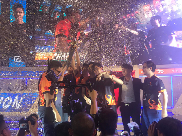 Cùng IGP tạo nên trận chung kết đỉnh cao, Team Flash thiết lập kỷ lục vô địch ĐTDV ba mùa liên tiếp - Ảnh 8.