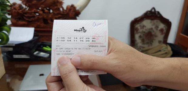 Mỗi ngày bỏ 200.000 đồng mua vé số Vietlott, người đàn ông trúng độc đắc gần 23 tỷ đồng, xuất hiện không che mặt - Ảnh 2.