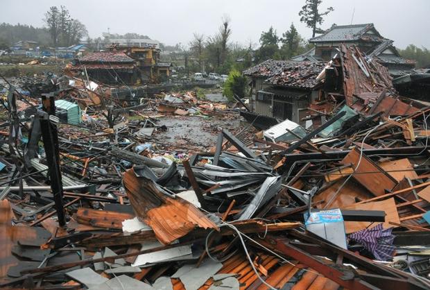 Những hình ảnh thể hiện sức tàn phá kinh khủng của siêu bão Hagibis khi nó còn chưa chính thức đổ bộ vào Nhật Bản - Ảnh 10.
