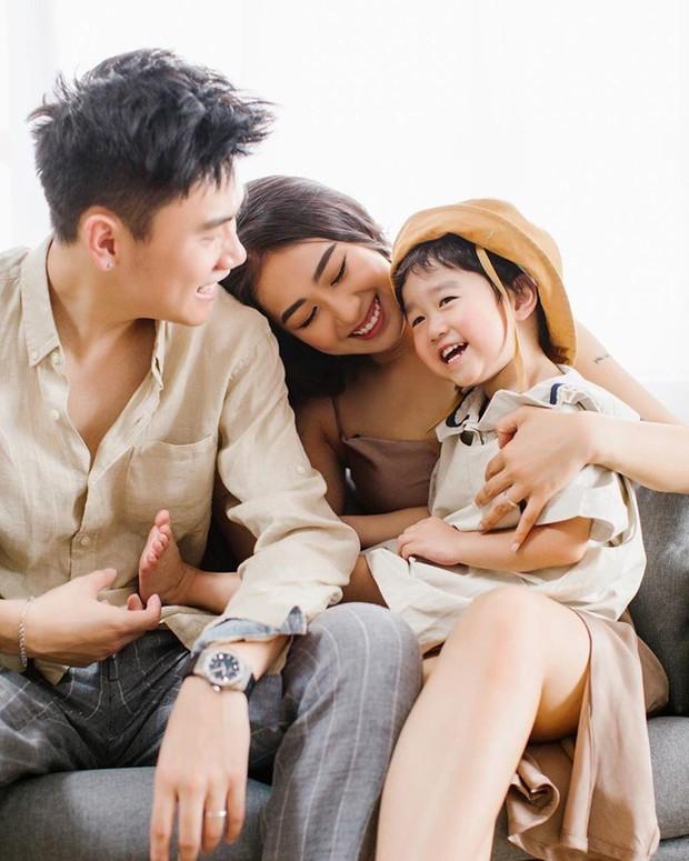 3 nhóc tì của 3 gia đình hot nhất MXH hiện nay: Cam được dạy làm việc nhà từ bé, Đậu bắn Tiếng Anh rất siêu, Xoài ngày càng ngoan và đáng yêu - Ảnh 7.
