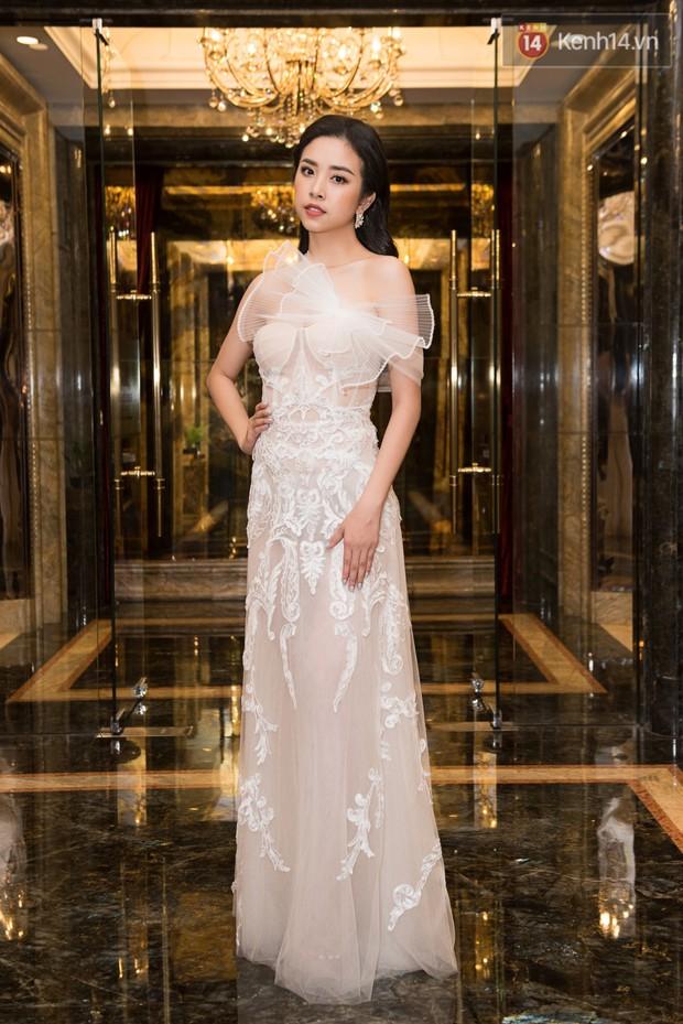 Dàn Hoa hậu, Á hậu đọ sắc bất phân thắng bại tại sự kiện: Tiểu Vy o ép vòng 1 căng đầy, Hà Kiều Anh khoe vẻ đẹp trẻ trung ở tuổi 43 - Ảnh 6.