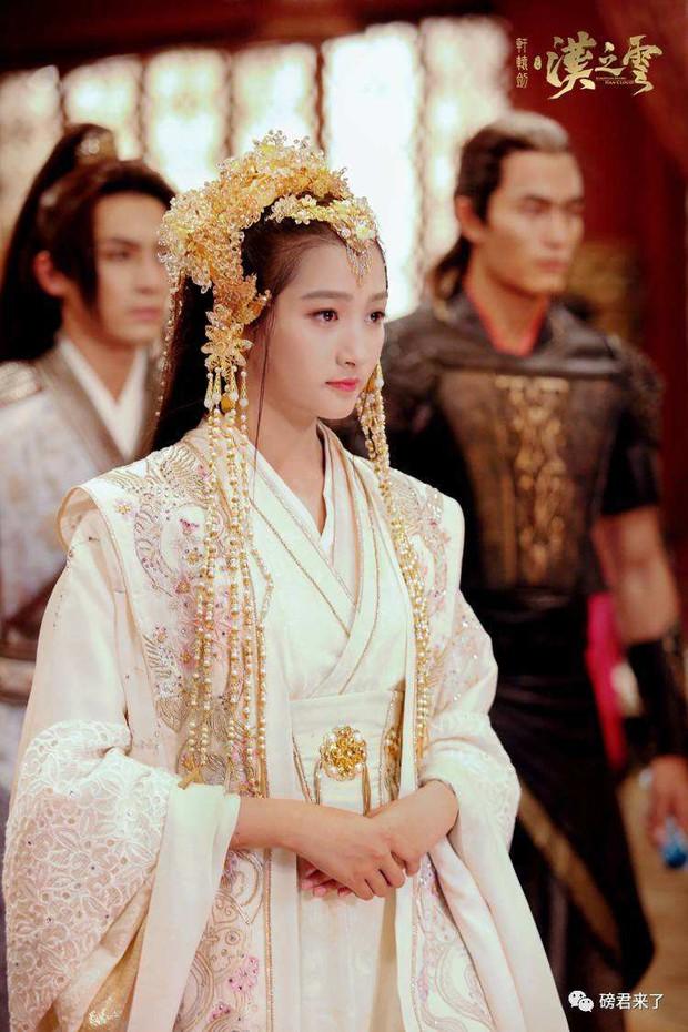 5 tạo hình cổ trang đẹp mướt mắt của Quan Hiểu Đồng đến các nàng nhìn còn phải mê - Ảnh 19.