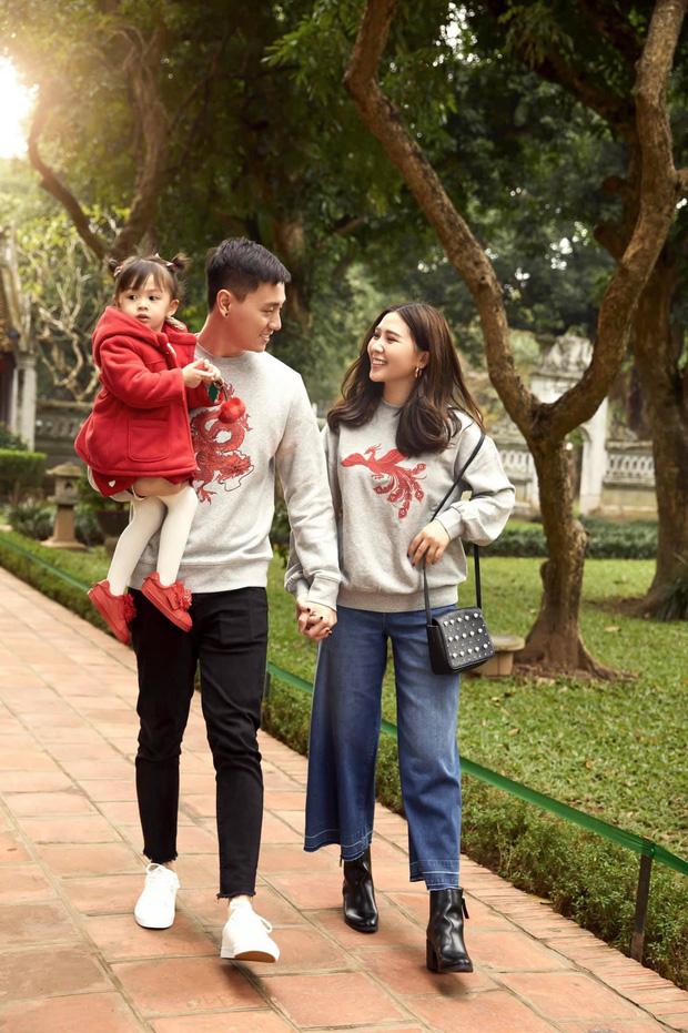 3 nhóc tì của 3 gia đình hot nhất MXH hiện nay: Cam được dạy làm việc nhà từ bé, Đậu bắn Tiếng Anh rất siêu, Xoài ngày càng ngoan và đáng yêu - Ảnh 2.