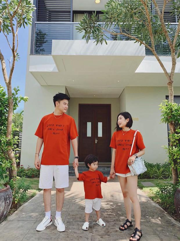 3 nhóc tì của 3 gia đình hot nhất MXH hiện nay: Cam được dạy làm việc nhà từ bé, Đậu bắn Tiếng Anh rất siêu, Xoài ngày càng ngoan và đáng yêu - Ảnh 10.