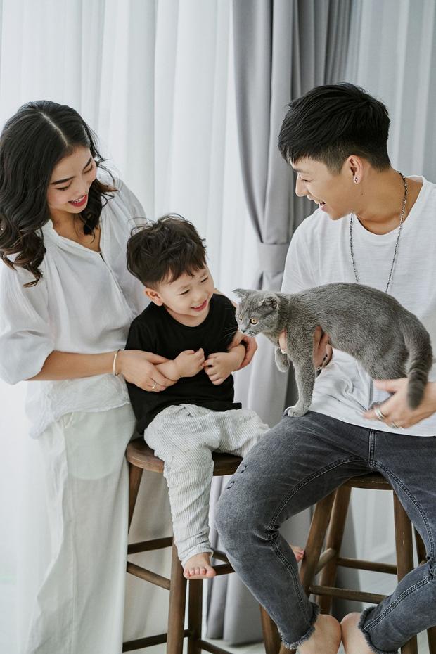3 nhóc tì của 3 gia đình hot nhất MXH hiện nay: Cam được dạy làm việc nhà từ bé, Đậu bắn Tiếng Anh rất siêu, Xoài ngày càng ngoan và đáng yêu - Ảnh 12.