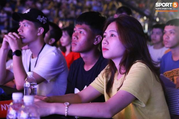 Đình Trọng bảnh bao, cùng bạn gái và em trai dự sự kiện Esports lớn nhất Việt Nam ngày hôm nay - Ảnh 5.
