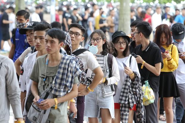 Chẳng kém gì bóng đá, ngày Chung kết giải Esports lớn nhất Việt Nam cũng quy tụ đủ đầy dàn gái xinh! - Ảnh 9.