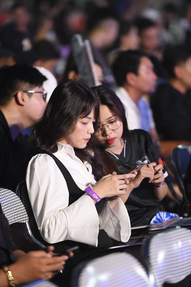 Chẳng kém gì bóng đá, ngày Chung kết giải Esports lớn nhất Việt Nam cũng quy tụ đủ đầy dàn gái xinh! - Ảnh 15.