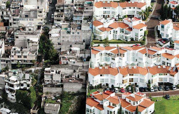 Sự khác nhau giữa người giàu và người nghèo: Đến đường nước thải cũng khác biệt đến nặng nề - Ảnh 1.