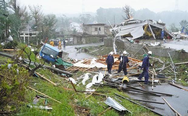 Nhật Bản: Bão chưa tới, hàng chục người bị thương vong - Ảnh 1.