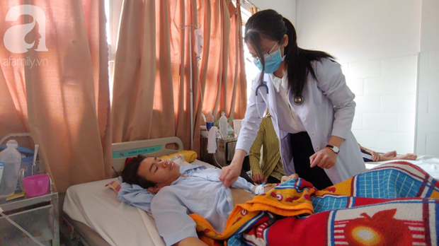 Bế tắc vì cảnh nghèo, con trai uống thuốc trừ sâu tự tử khiến người mẹ rụng rời tìm tiền cứu chữa - Ảnh 4.