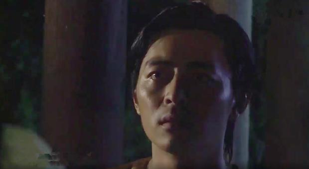 Tiếng sét trong mưa: Trọn bộ cảnh con trai Thị Bình ngủ với em gái, còn sốc hơn màn ân ái 18+ cùng mẹ kế - Ảnh 3.
