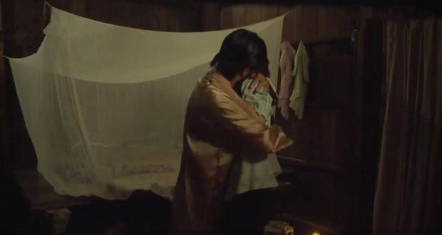 Tiếng sét trong mưa: Trọn bộ cảnh con trai Thị Bình ngủ với em gái, còn sốc hơn màn ân ái 18+ cùng mẹ kế - Ảnh 6.