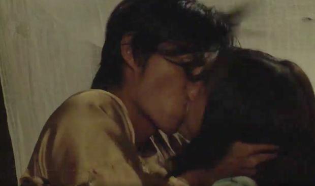 Tiếng sét trong mưa: Trọn bộ cảnh con trai Thị Bình ngủ với em gái, còn sốc hơn màn ân ái 18+ cùng mẹ kế - Ảnh 8.