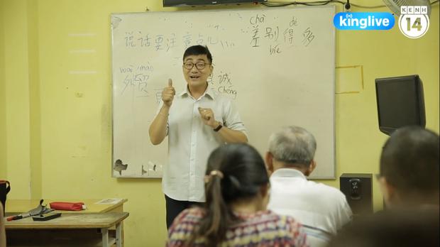 Lớp học đặc biệt ở chùa Lá Sài Gòn: Suốt 10 năm dạy miễn phí 6 ngoại ngữ cho sinh viên nghèo - Ảnh 3.