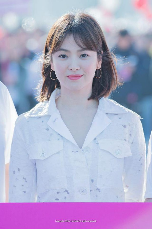 Sao nhí một thời Mặt trăng ôm mặt trời Kim Yoo Jung dự sự kiện mà gây bão: Xinh cực phẩm, fan nghĩ ngay đến Song Hye Kyo - Ảnh 7.