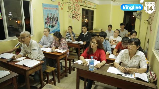 Lớp học đặc biệt ở chùa Lá Sài Gòn: Suốt 10 năm dạy miễn phí 6 ngoại ngữ cho sinh viên nghèo - Ảnh 4.